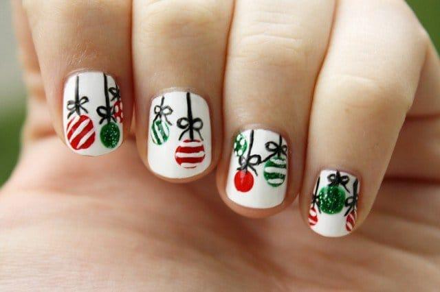 10christmas-nails-2014