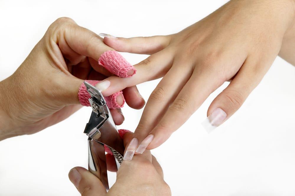 Ricostruzione unghie con tip