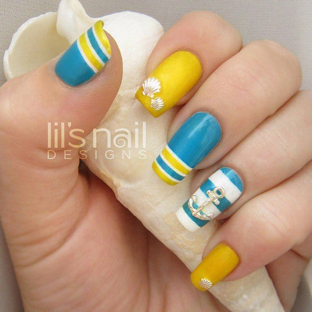 4nautical-nail-art