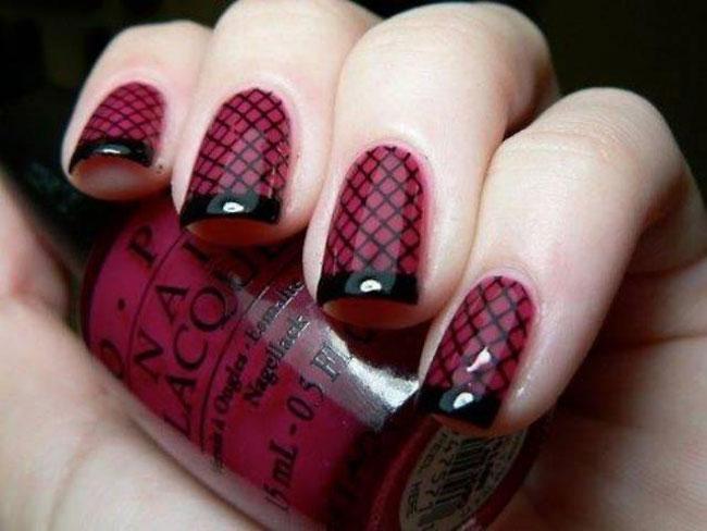Idee-Capodanno-2015-Nail-art-rossa-e-nera