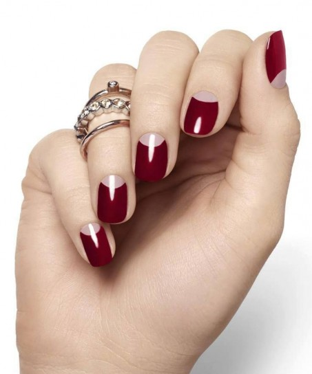 nail-art-rossa-con-lunette-rosa-baby