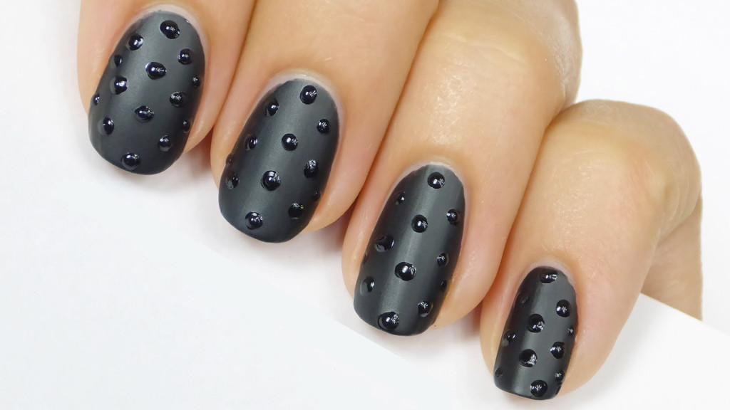 studded-matte-nail-art