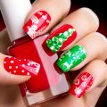 Nail Art di Natale: idee regalo tra semipermanente, gel e glitter